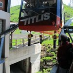 Index_gis_hoists_on_cable_car_in_alps_in_extreme_conditions